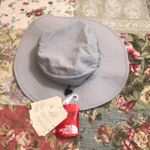 NWT North Face quick dry hat